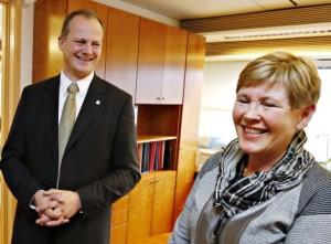 Samferdselsminister Ketil Solvik-Olsen og departementsråd Eva Hildrum