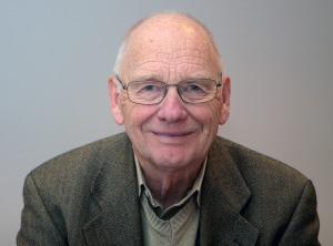 Professor Dag Bjørnland, som er styremedlem i Aksjon Bedre Vei, påpeker viktigheten av at den nye regjeringen øker satsingen på vegnettet systematisk.