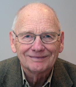 Professor Dag Bjørnland mener Regjeringens nye veiutbyggingsselskap, som skal etableres nå i 2015, må sikres en solid finansiering.