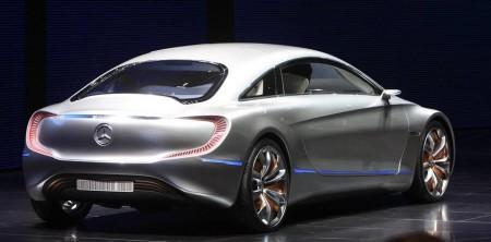 Grønn luksus: Hydrogendrevet Mercedes skal lanseres i 2017, og vil ikke ha andre utslipp en rent vann. 200 prototyper er allerede på veien i Europa, ti av dem i Norge.